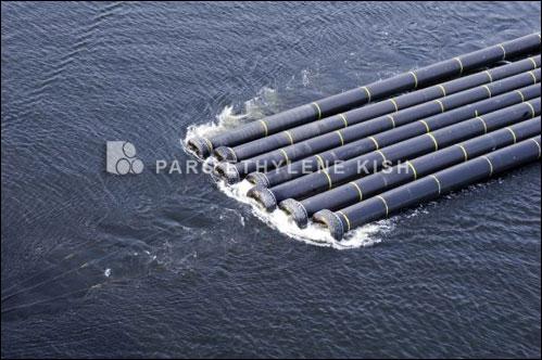 استخدام الأنابيب في البحر